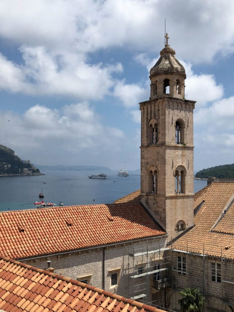 Red roofs of Dubrovnik, Croatia. What to do in Dubrovnik. Walk the walls of the city!