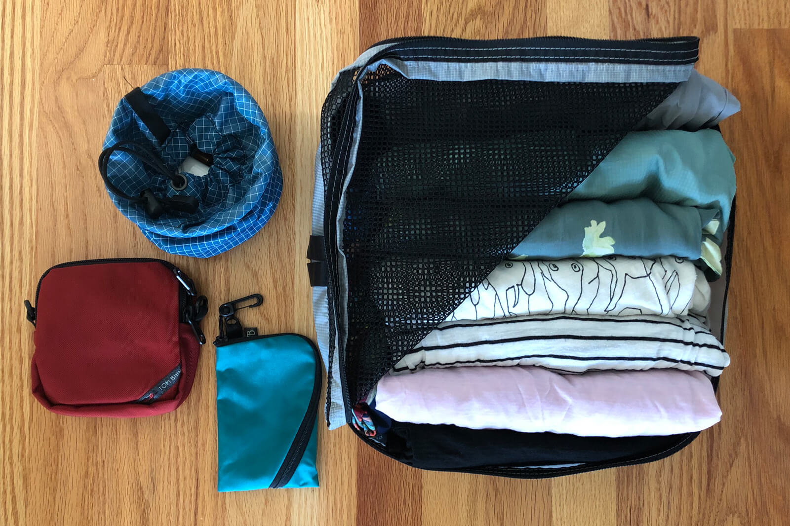 Organize your luggage with packing cubes