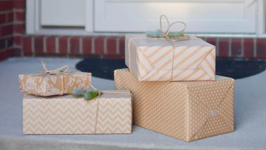 Stocking stuffers for travel lovers, leave gifts on doorstep for neighbors